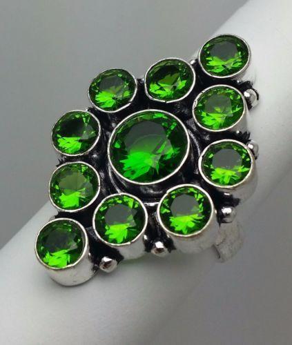 Stunning-Green-Stone-Costume-Ring-Silvertone-Band-Size-8