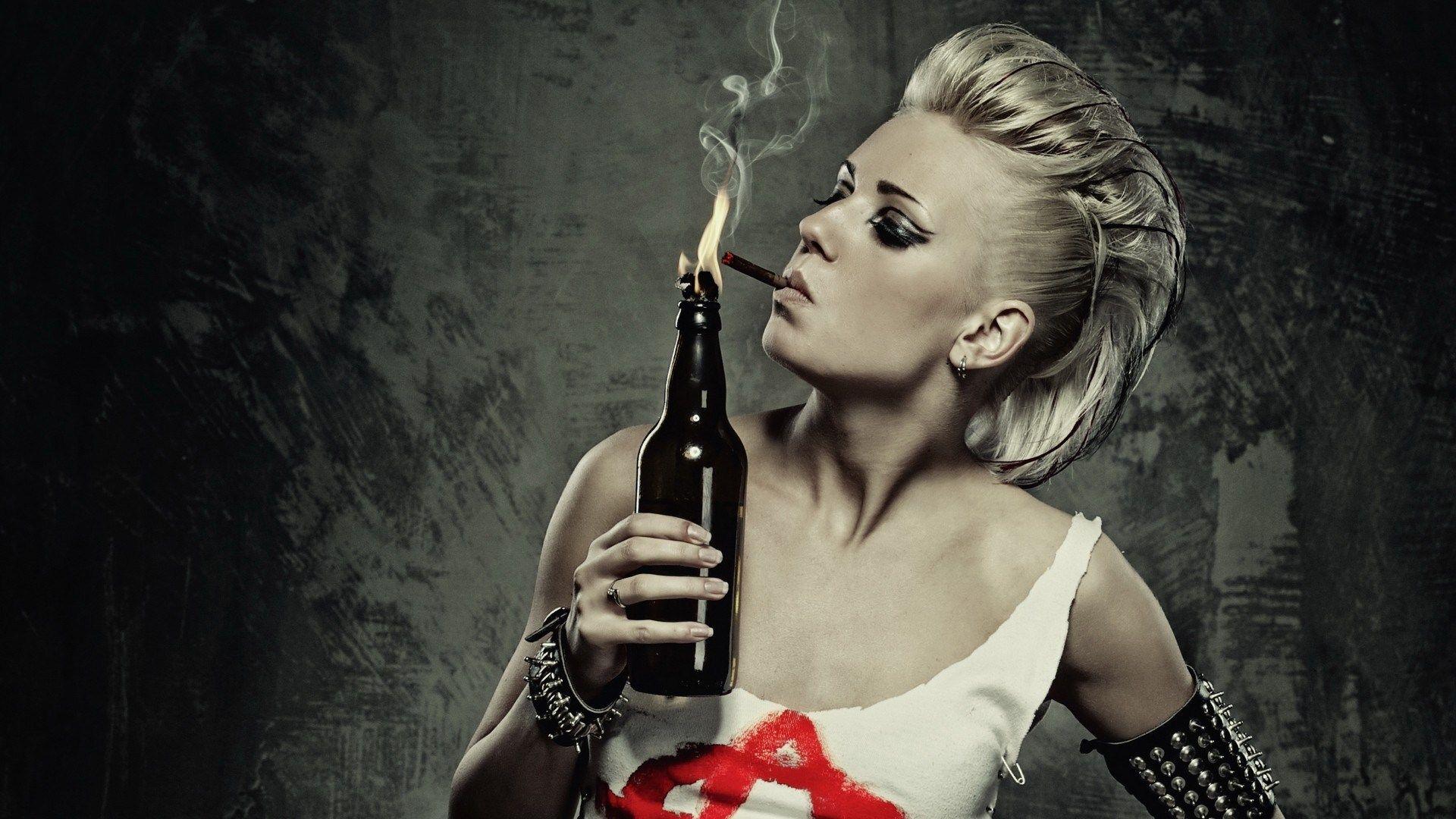 Pin by John Schollen on Brandflessen en Molotov Cocktails | Pinterest