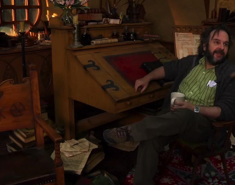 Hobbit Desk | The hobbit, Hobbit house, Writing space