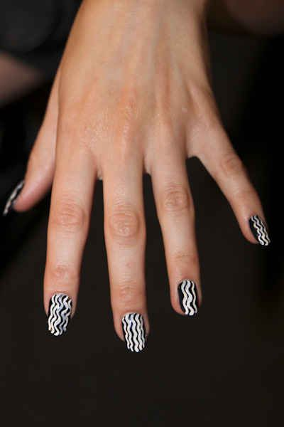 Squiggly Lines At Opening Ceremony Manicure Fancy Nails Nail Art Designs
