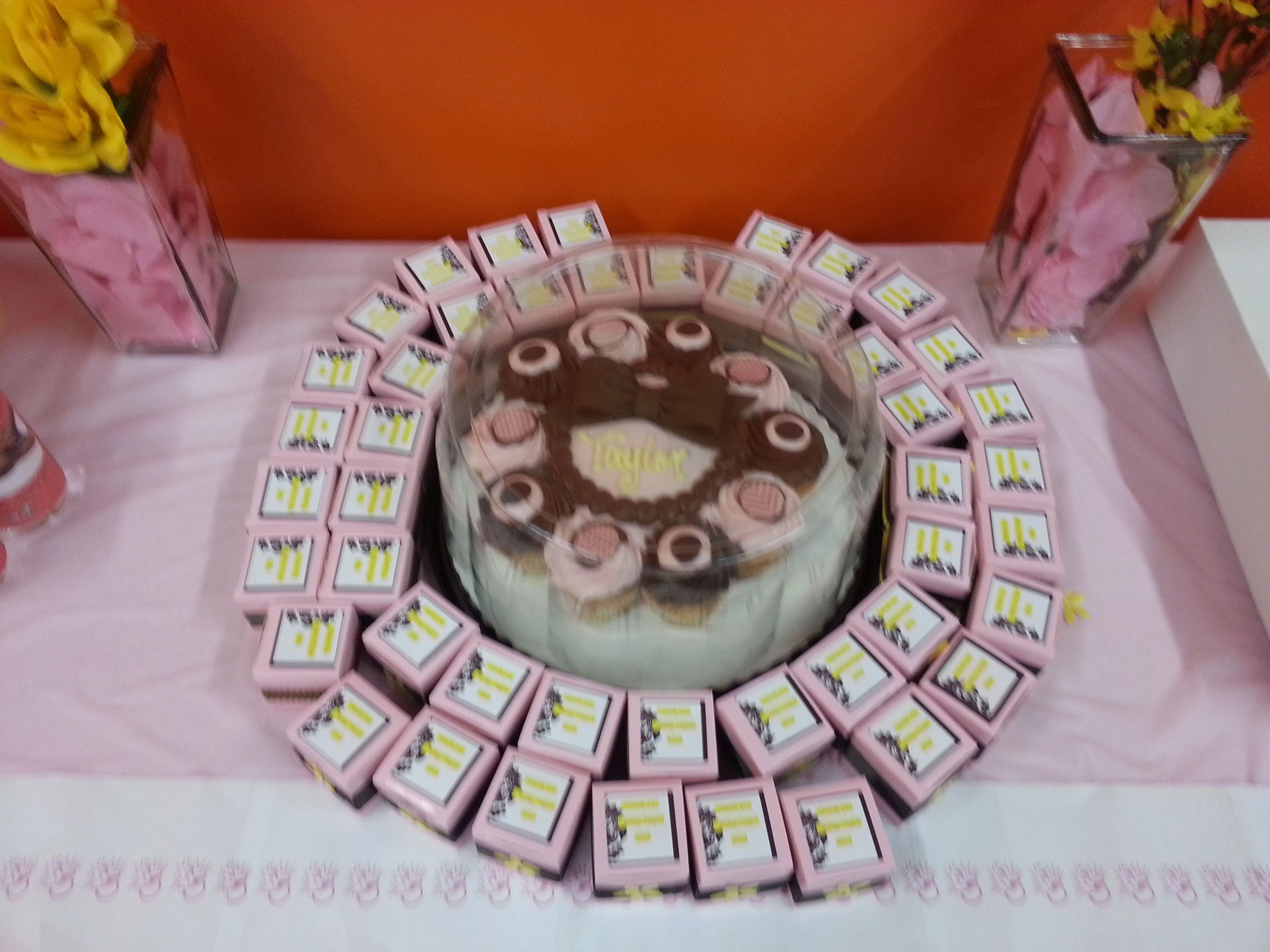 Cake & Favors