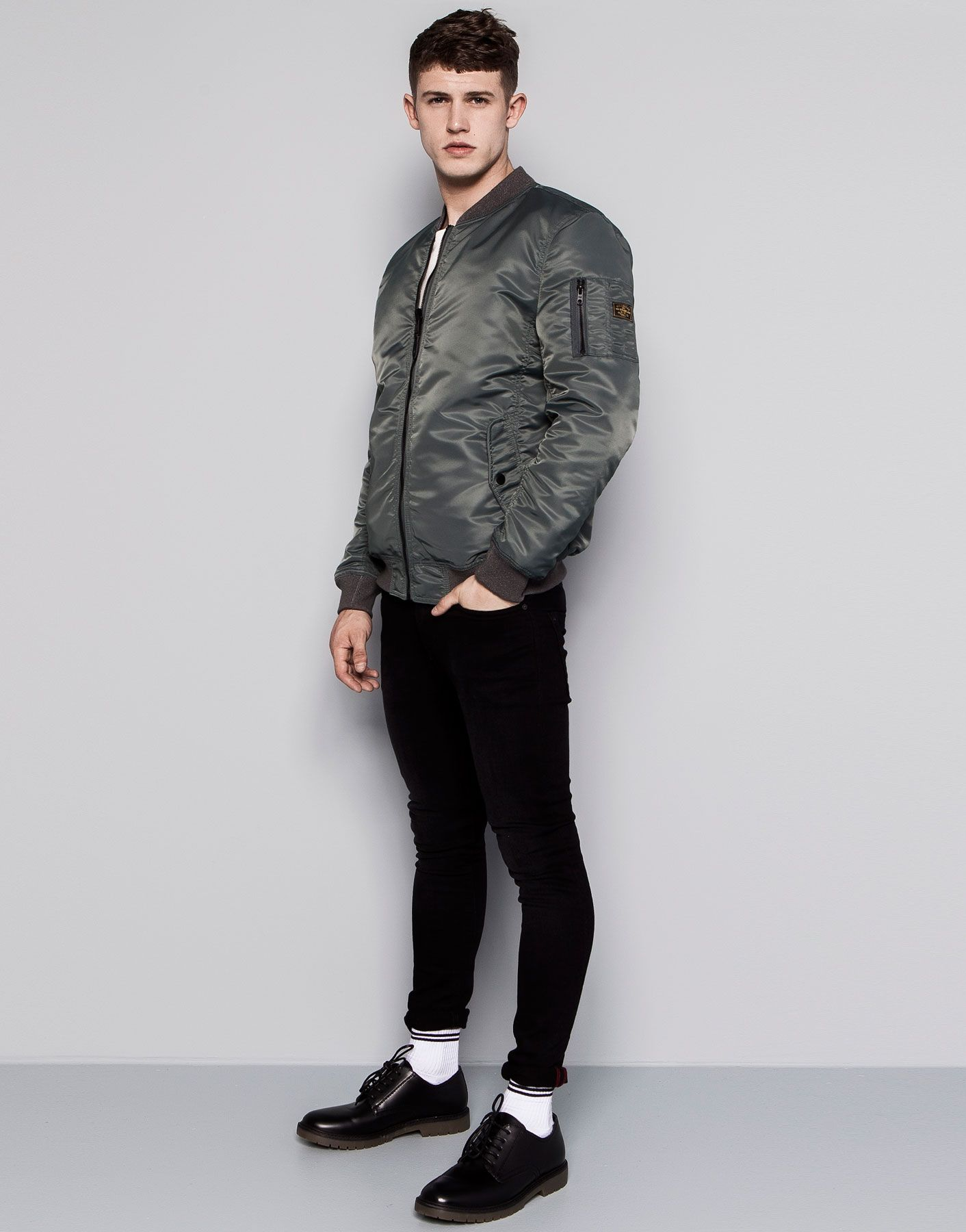 blouson bomber aviateur r versible special prices homme pull bear france cool shits. Black Bedroom Furniture Sets. Home Design Ideas