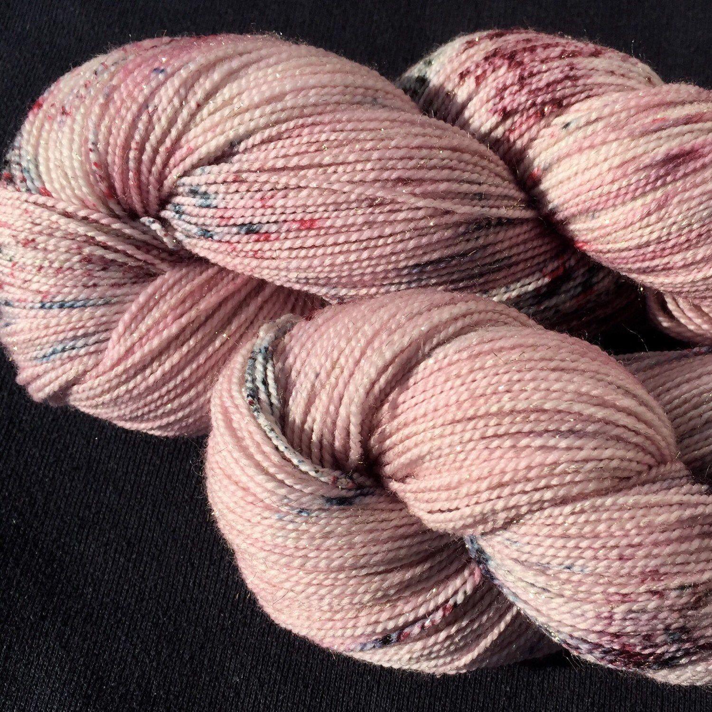 Pin Auf Handgefarbte Wolle