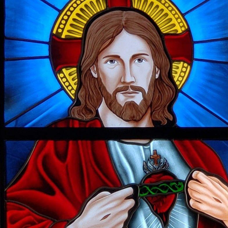 Vitral Religioso Instalado No Santuario Sagrado Coracao De Jesus