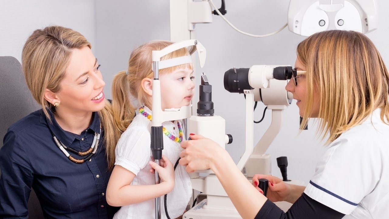 iGenics Review Can it Improve Our Eyesight? Eye exam