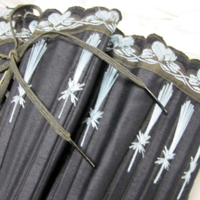 corset flossing 1