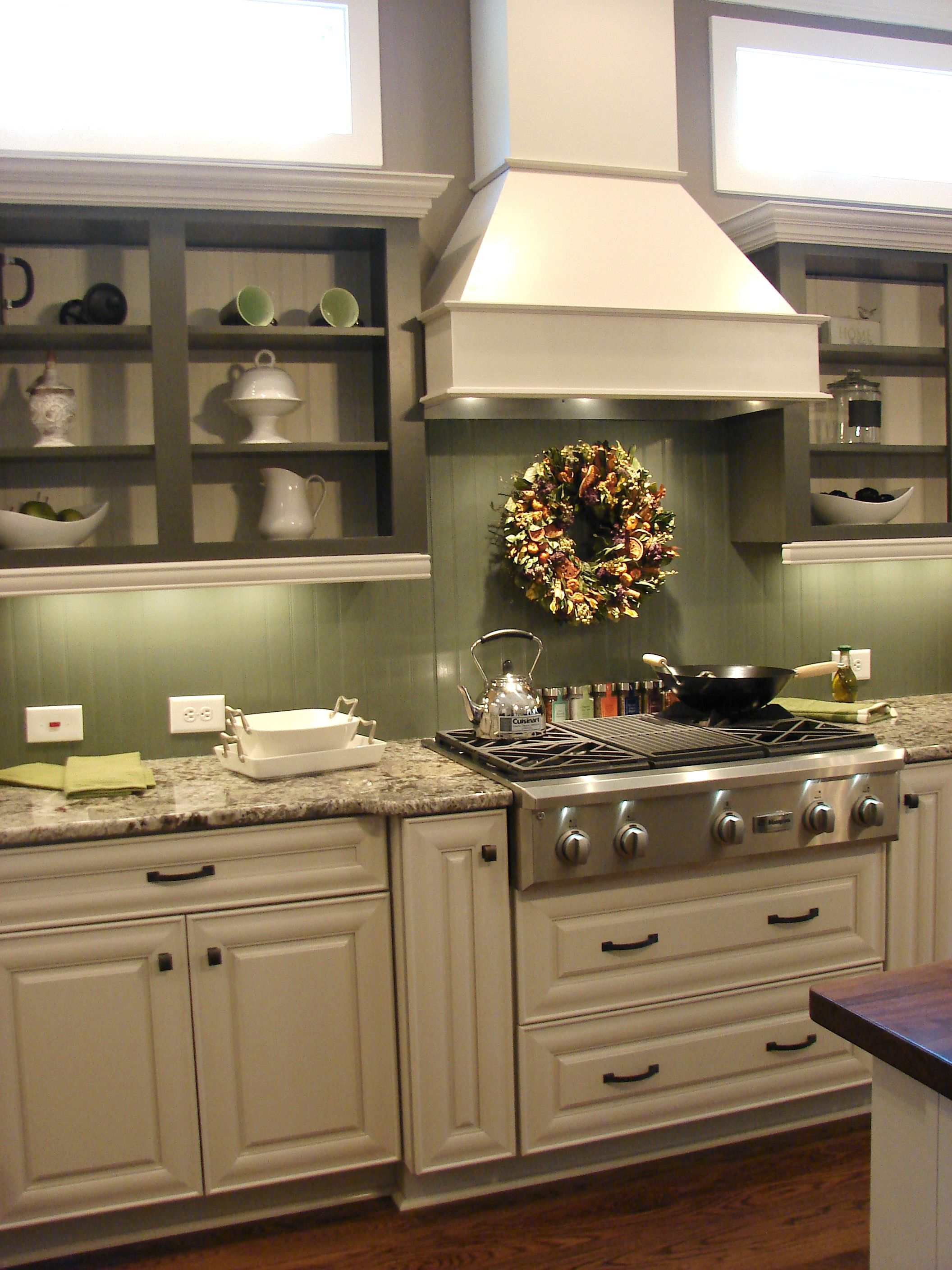 Green country kitchen - Beadboard Backsplash In A High Gloss Paint Either White Or Green Is The Other Option For Our Kitchen Think Black Greenish Granite Counters And