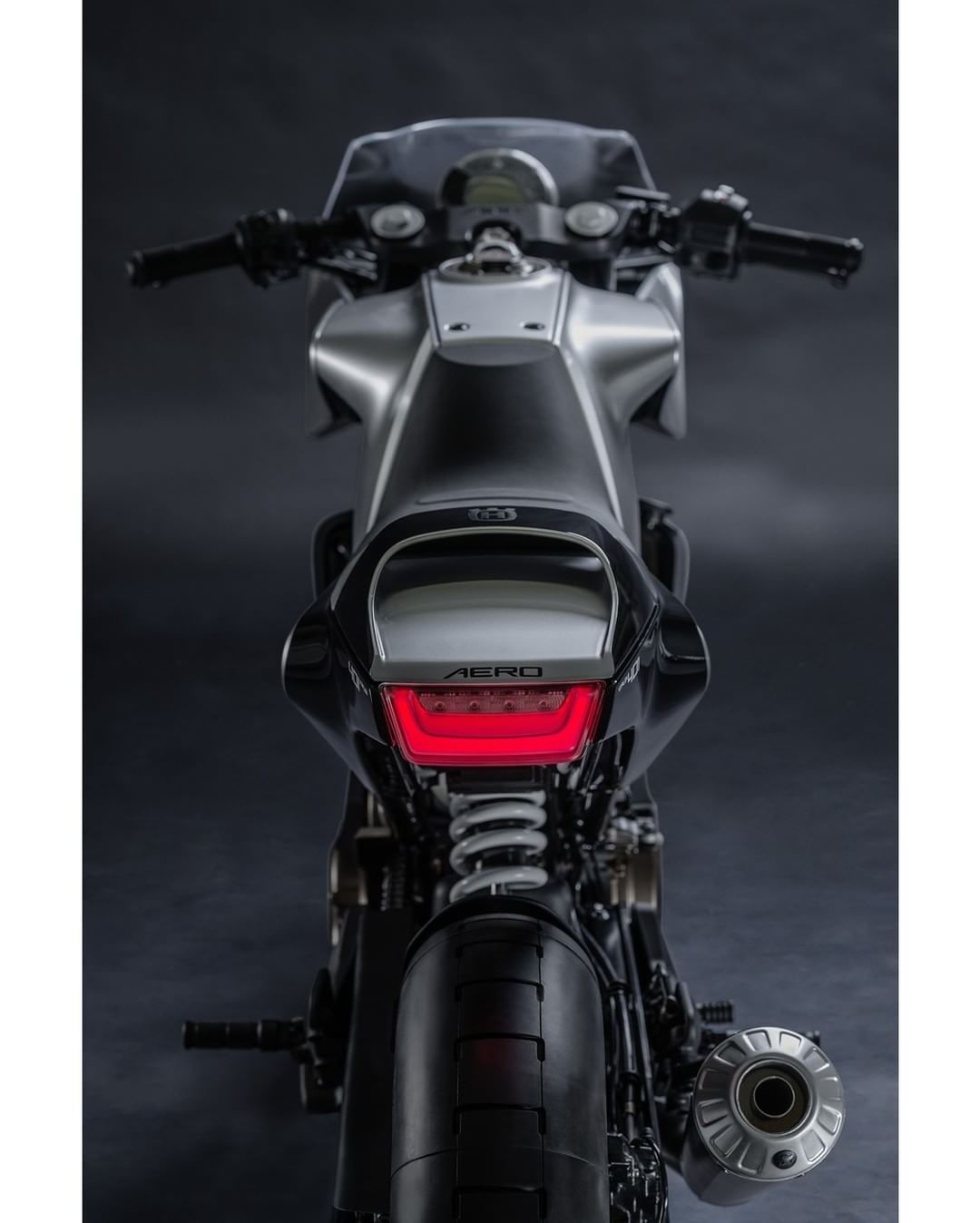 Husqvarna Vitpilen 401 Aero Cafe Racer #motorcycles #caferacer #motos | caferacerpasion.com