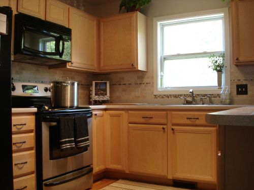 Tutorial: Painting (Fake Wood) Kitchen Cabinets