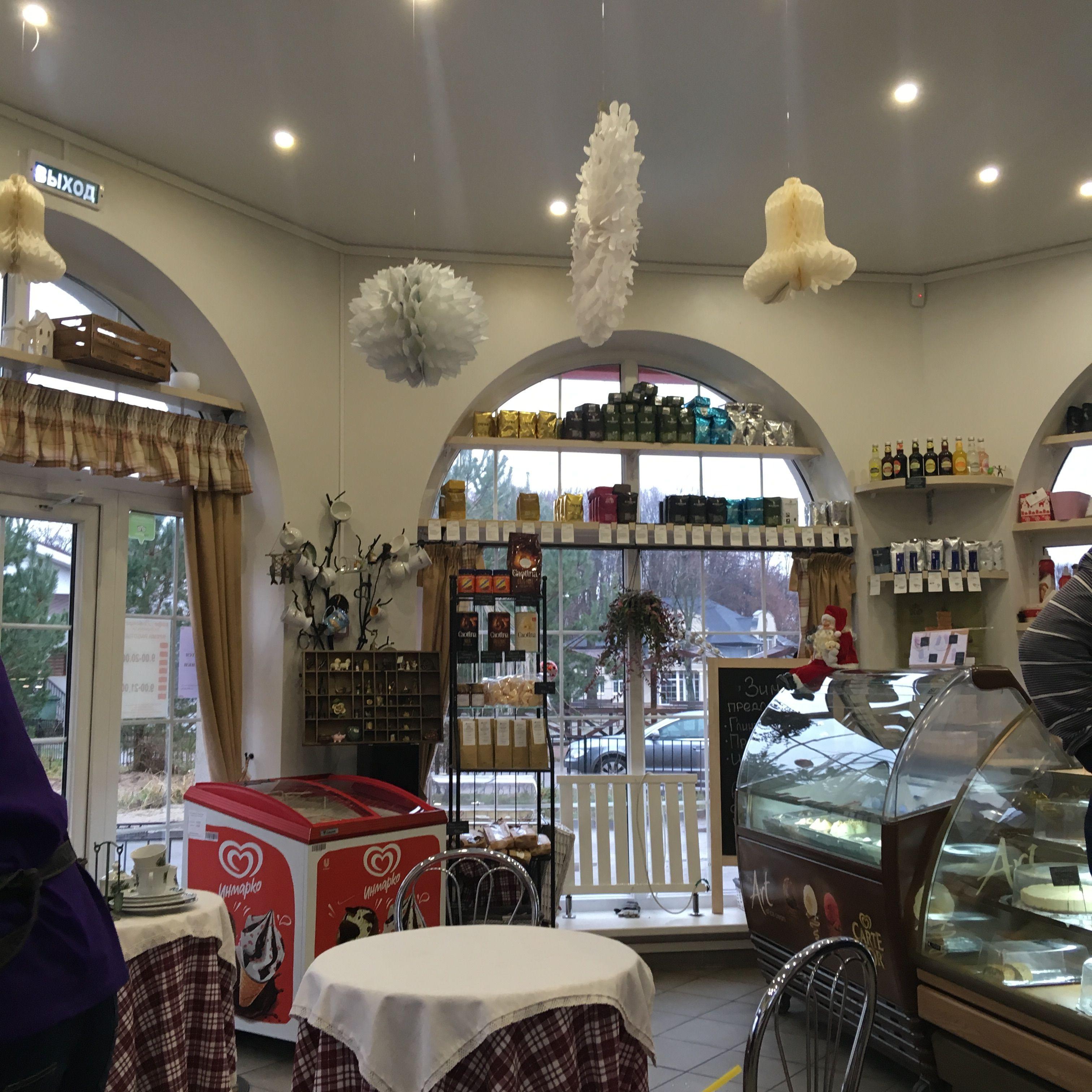 Интерьер кафе-магазина