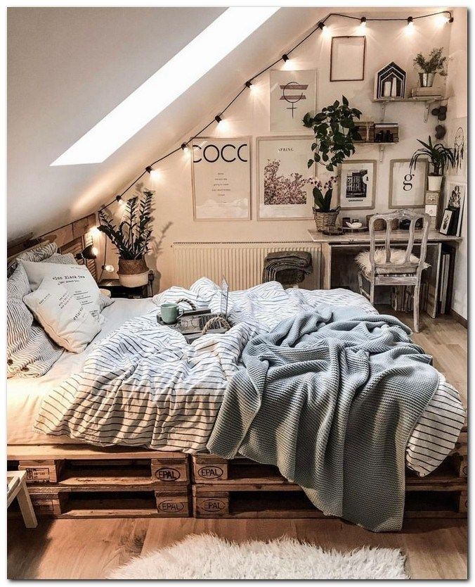 42 Small Bedroom Ideas That Are Look Stylishly & Space Saving #smallbedroomideas #smallbedroomstylish #stylishbedroomideas | gratitude41117.com #bedroomgoals