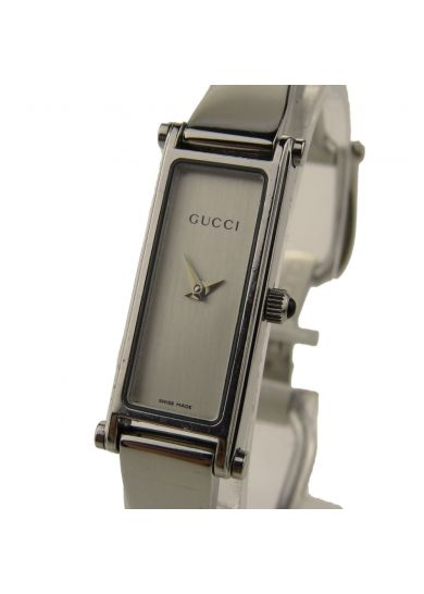 47057c190bc9b This pre owned Gucci Ladies 1500 Series stainless steel bangle wristwatch  is overall in excellent condition
