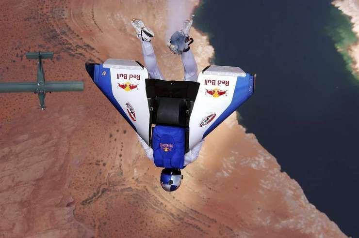 언제 어디서나 비행을 시도하는 사나이! 펠릭스 바움가르트너 | 레드불 날개를 펼쳐줘요 - Red Bull Blog