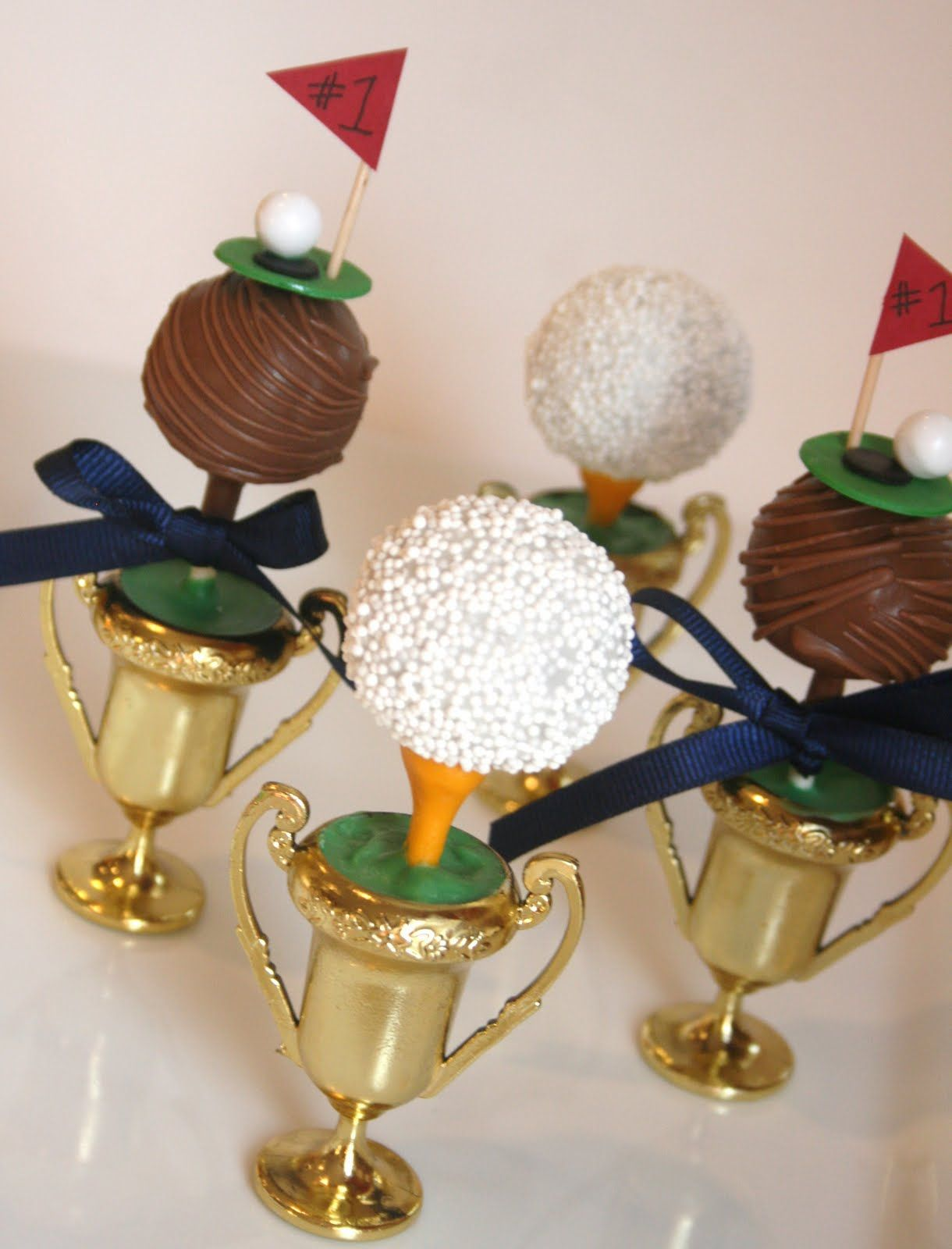 Trophy cake pops #golf #ball #tee #father #dad #sports