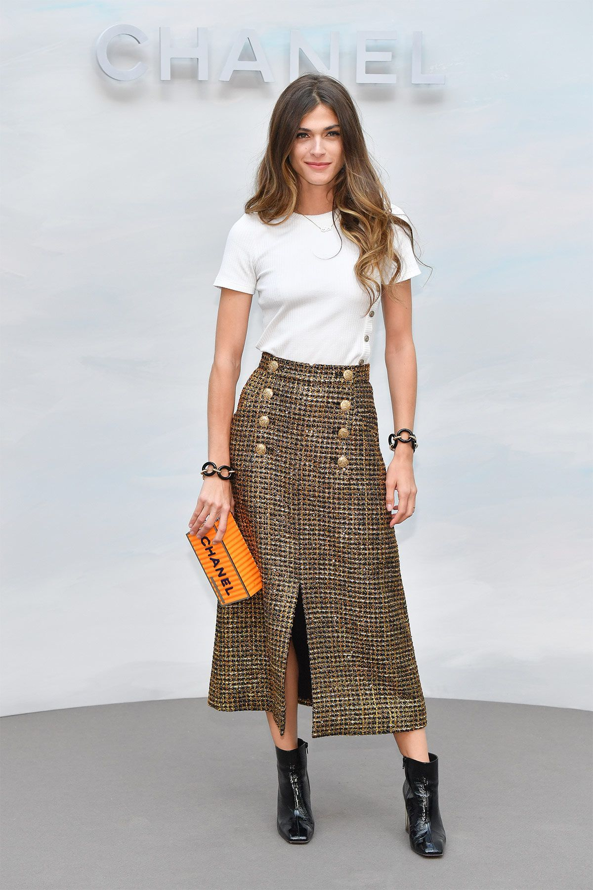 Elisa Sednaoui: Penélope Cruz, a la francesa en el 'front row' de Chanel- ElleSpain