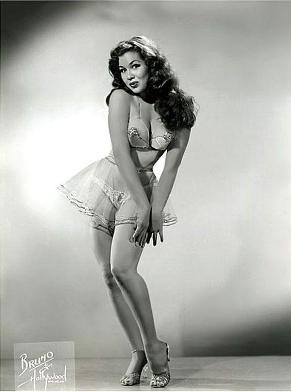 woman Vintage burlesque