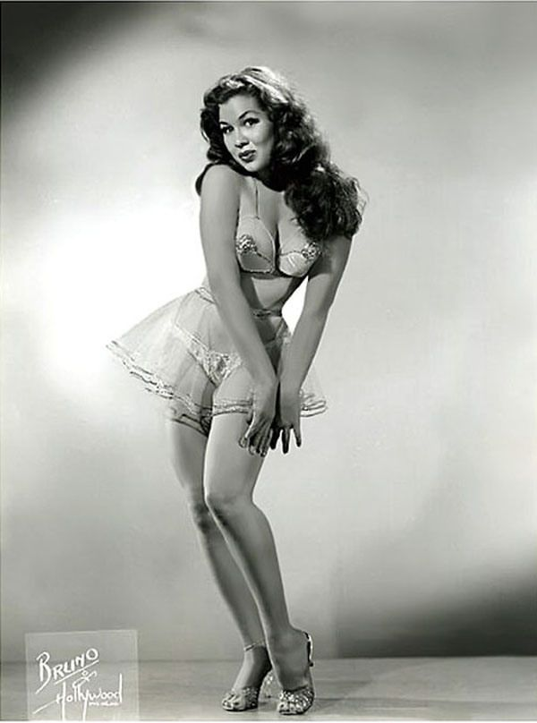 Female vintage foto 75