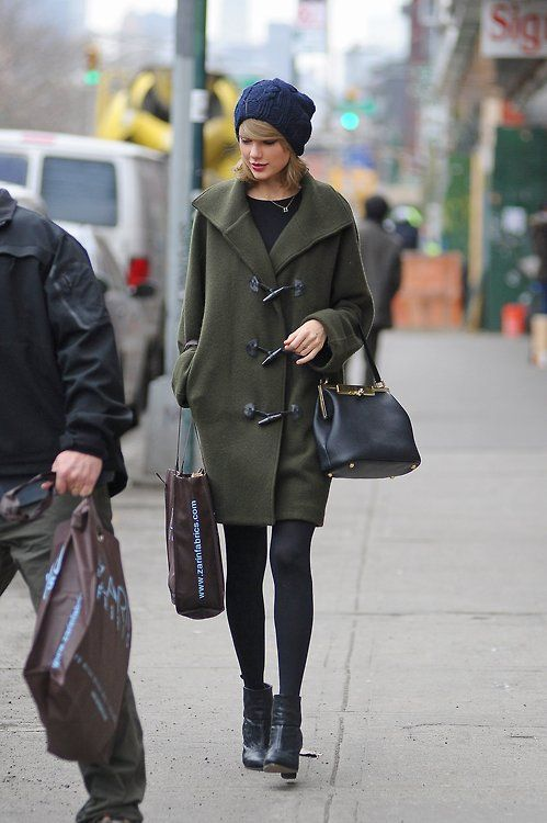 Taylor Swift wearing Dark Green Duffle Coat, Black Long Sleeve T ...