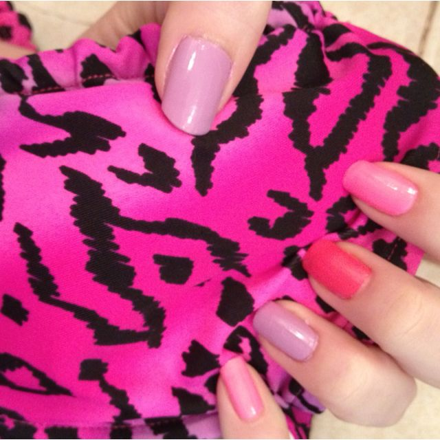 Image result for swimsuit matches nails