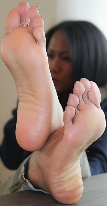 Pictures of sexy feets of ghanaian laadies images 985