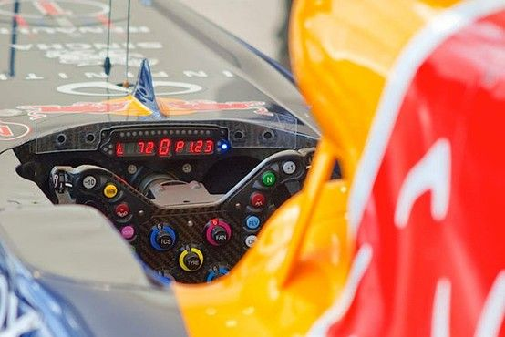 f1 El habitáculo del Red Bull RB9 del tres veces Campeón del Mundo, Sebastian Vettel-Foto cortesia de Red Bull Racing.