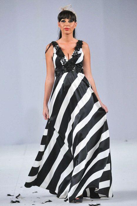 Abadi Najia Ws | Morocco fashion, Fashion, Sleeveless wedding