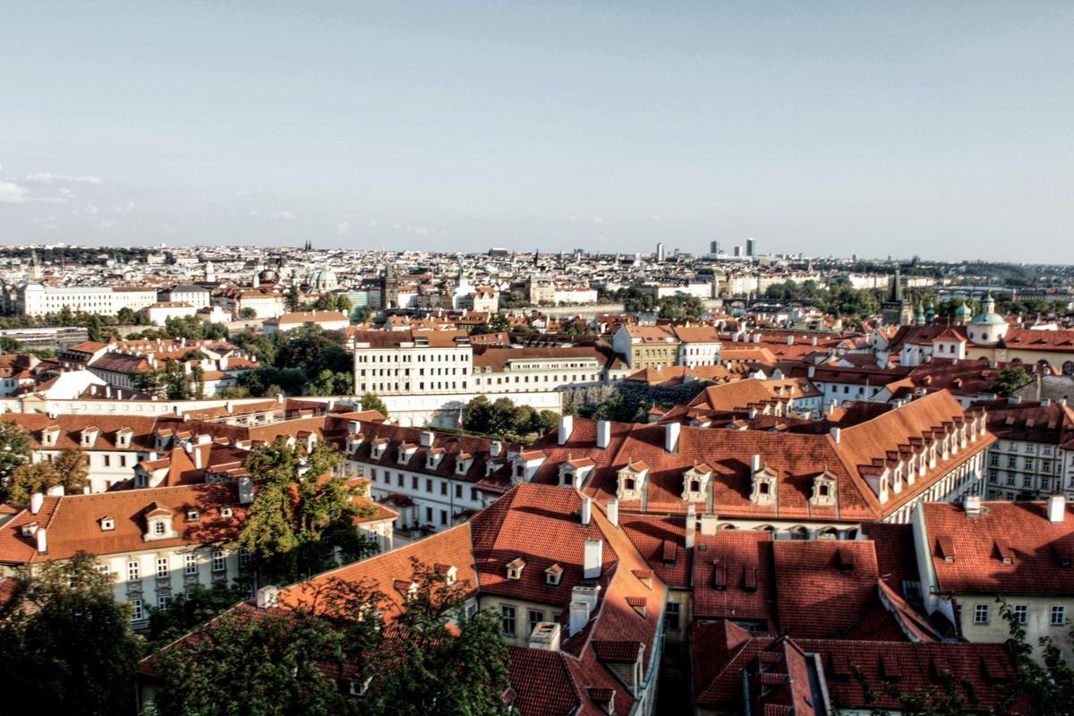 Pohled na město z hradčanské vyhlídky
