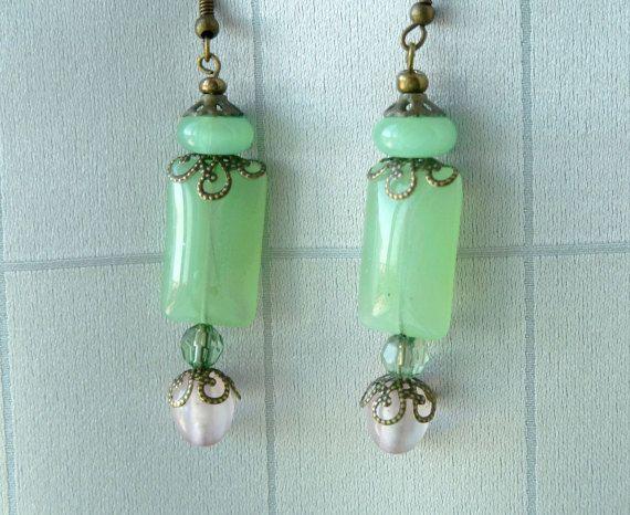 Delicate earrings Earrings light green Rectangular earring Dangle earrings Mint green Pink earrings Brass metal details Agate gemstone beads