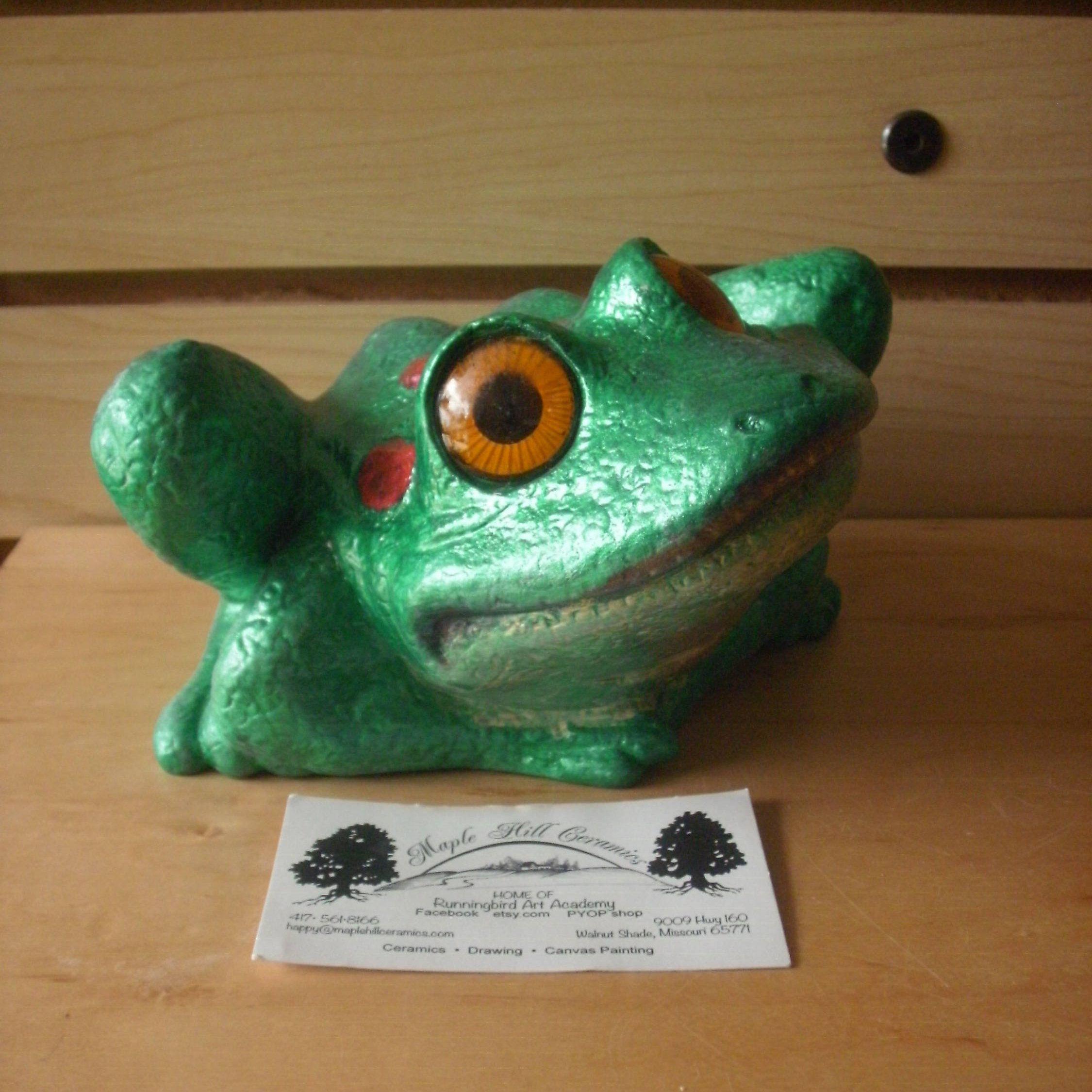 Big Eyed Outdoor Garden Frog Statue Outdoor Frog Decor Water Garden Gifts  For Her Outdoor Frog