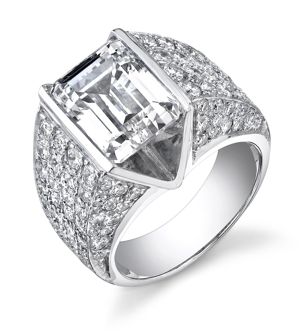Such a beautiful and different ring @ IMG Jewelers, Cleveland.
