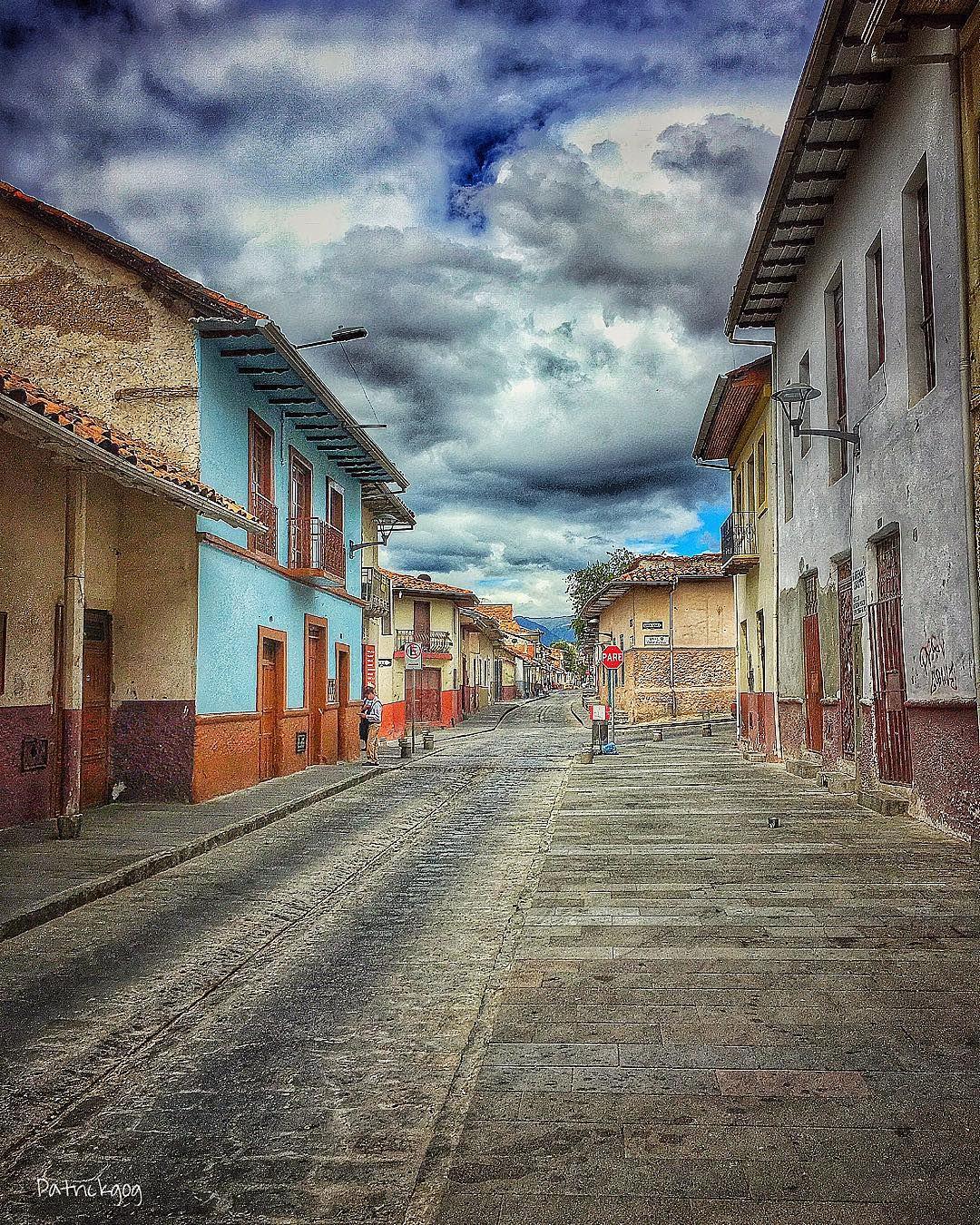 Calle Rafael María Arizaga #Cuenca #Ecuador #AllYouNeedIsEcuador ...