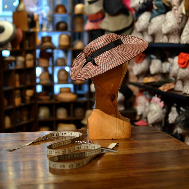 The 1900 Zigzag Toyo Hats Leather Flowers Zig Zag