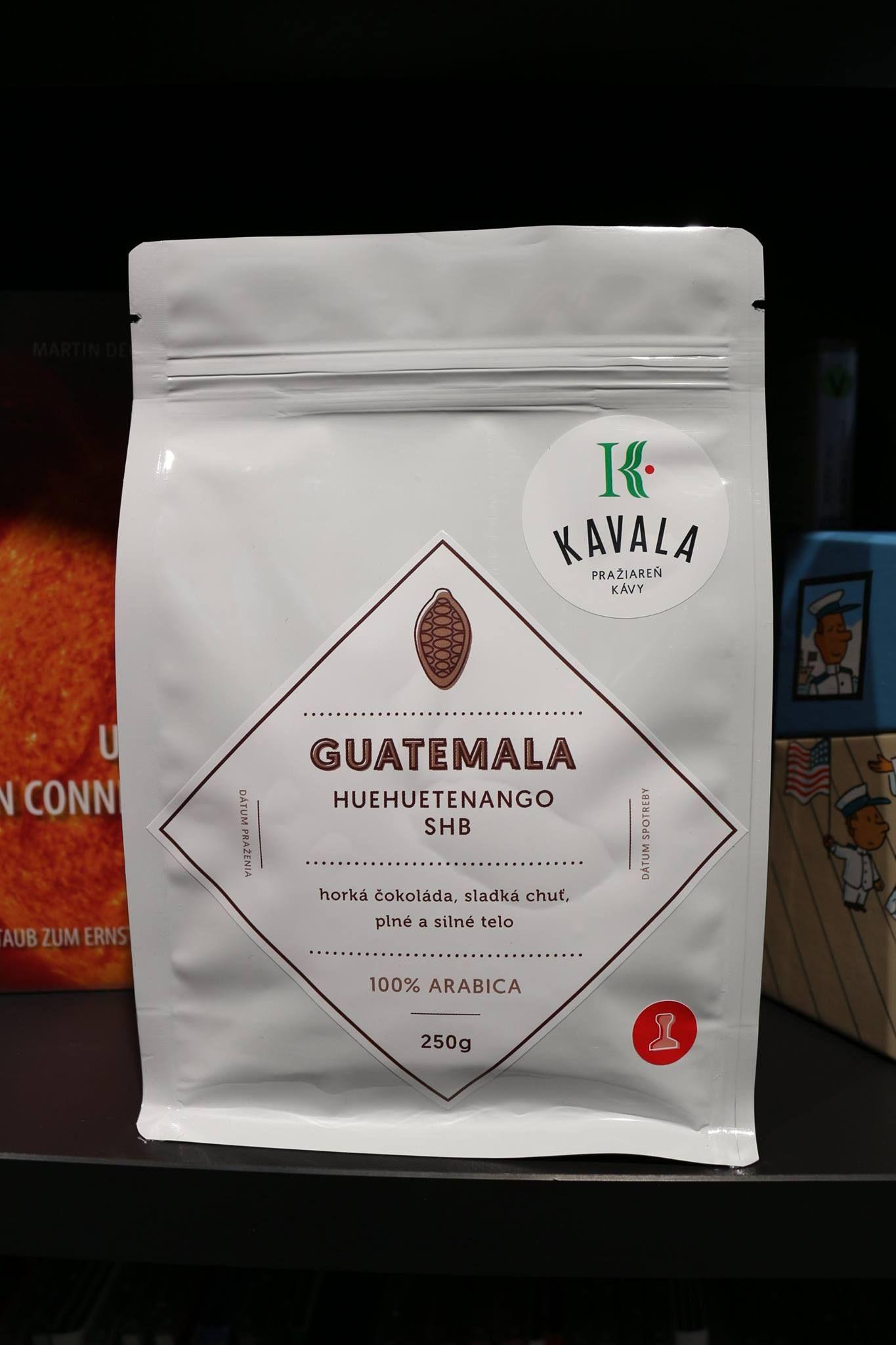 GUATEMALA - HUEHUETENANGO SHB (farma) Pôvod kávy zo strednej ameriky v oblasti Huehuetenango. Horký čokoláda, sladká chuť, plné a silné telo. Zber 2014 / 2015. Odroda Caturra, Pache. Spracovanie mokré (Washed).