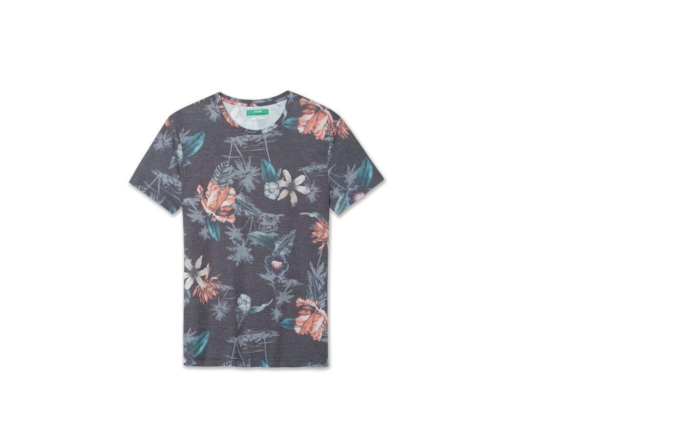Tee shirt imprimé fleurs   TENDANCE HOMME 2017   Shirts, T shirt et ... 82c3383d24d