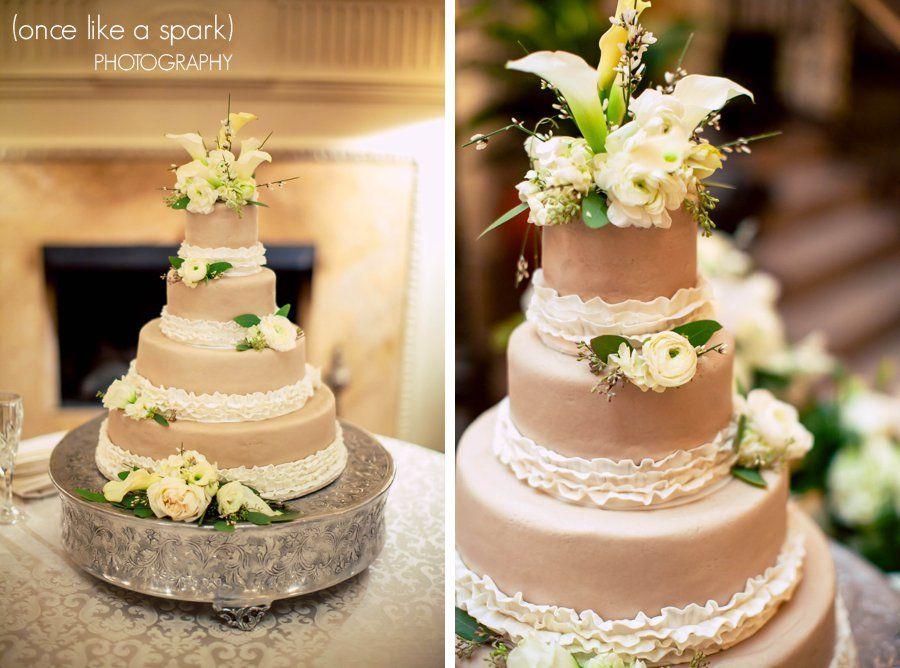 Gorgeous Cake, Wedding Cake, Cake Ideas, Chic :: Maribeth + Robbyu0027s Wedding