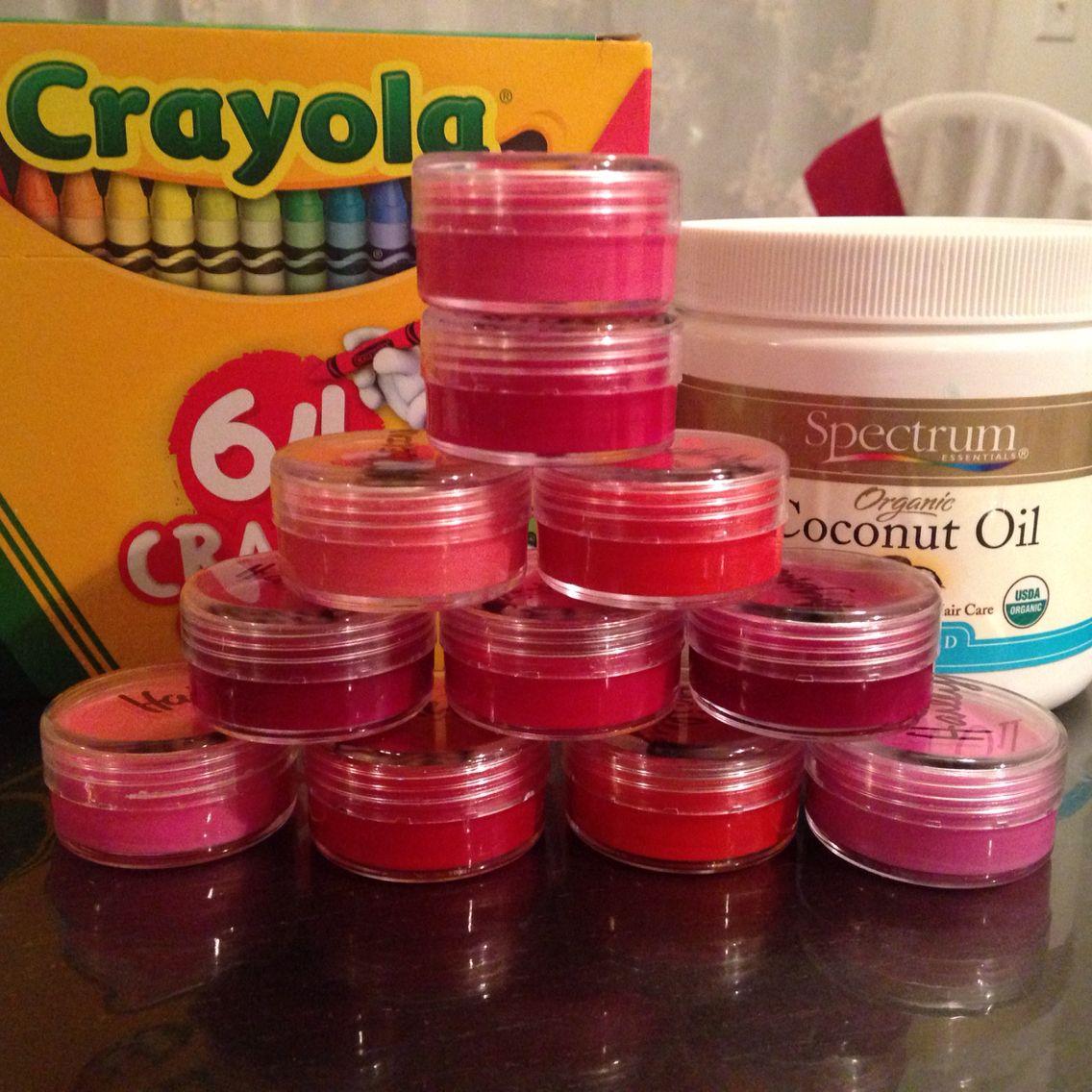 Diy lip balm organic coconut oil and crayons so easy
