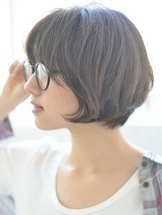 【butterfly郡司泰之】2016 グレージュ 前下がりショートボブ - 24時間いつでもWEB予約OK!ヘアスタイル10万点以上掲載!お気に入りの髪型、人気のヘアスタイルを探すならKirei Style[キレイスタイル]で。