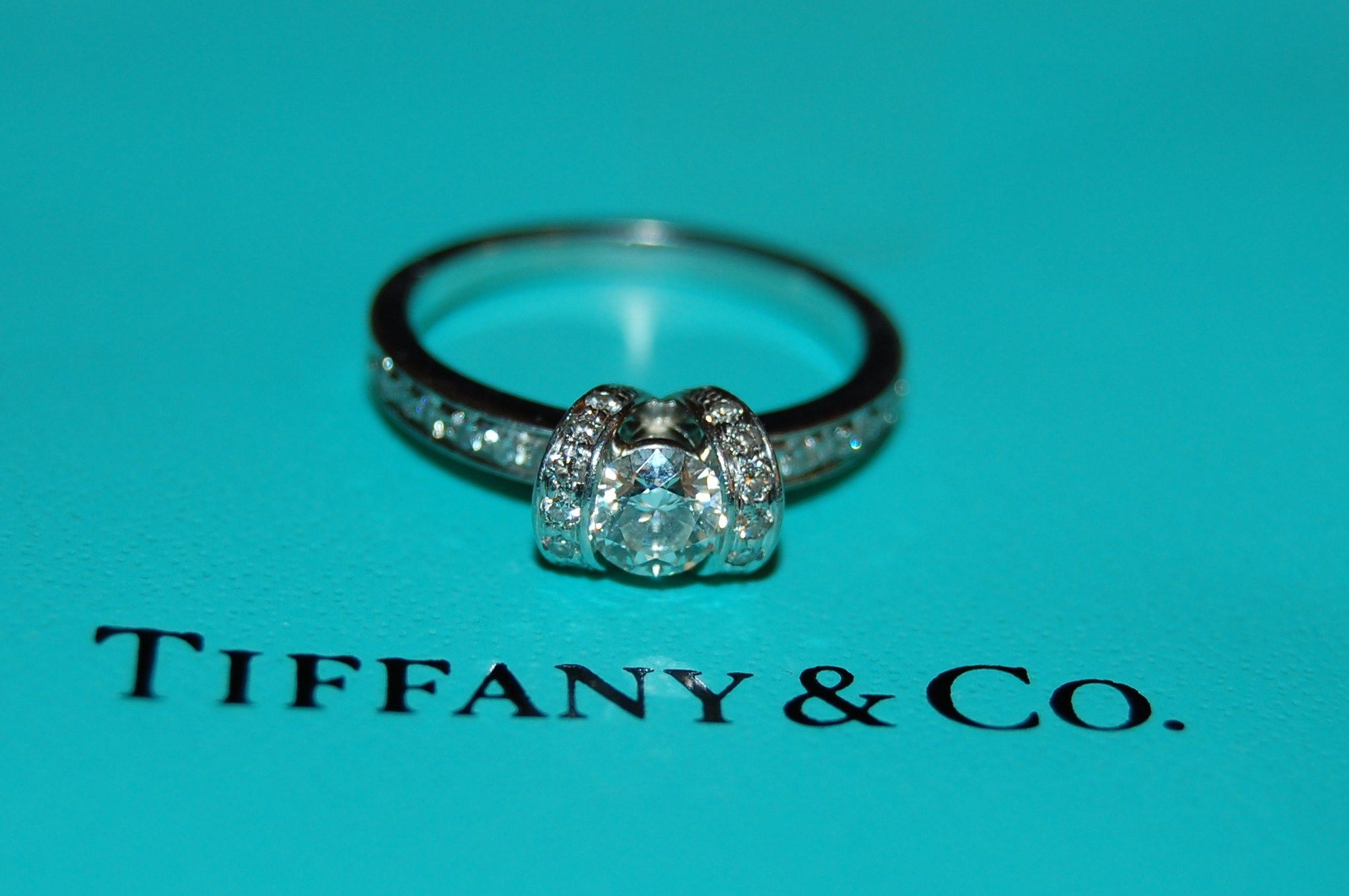 This is my (Aarin Lee Seward ) dream ring!! I spotted this