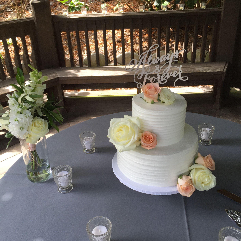Florals by: Breezy Day Weddings Venue: San Diego Botanical Gardens