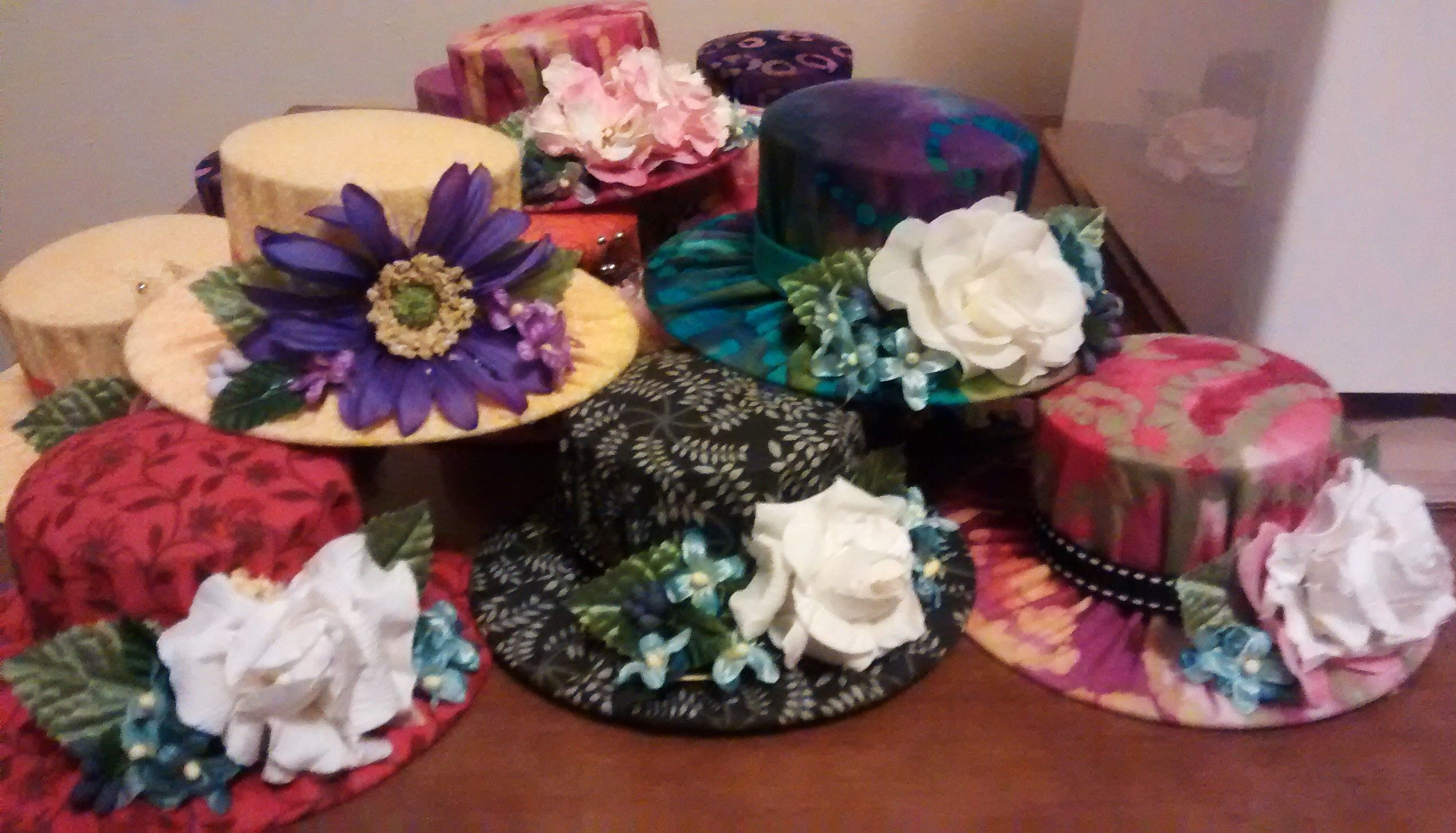 Bonnet Pin Cushions Made From Recycling Cdroms And Small