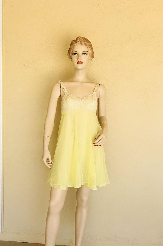 a9d3ae51e222 Vintage 1960 s Baby Doll Night Gown ~ Yellow Nylon And Lace Nightgown With  Bra Attached With ~ Size Small ~ Great Condition