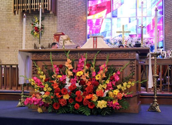 wedding church flowers altar decorations easter sunday church flower arrangements search 8959