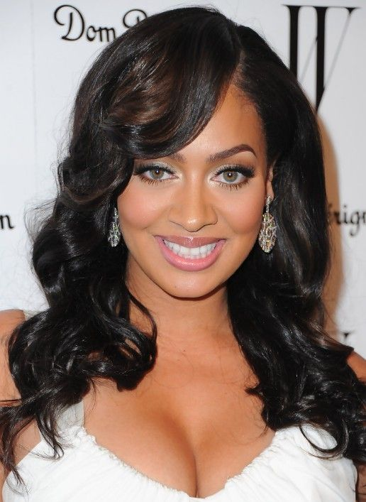 Super High Glamour Glossy Black Waves With Side Swept Bangs La La Natural Hairstyles Runnerswayorg