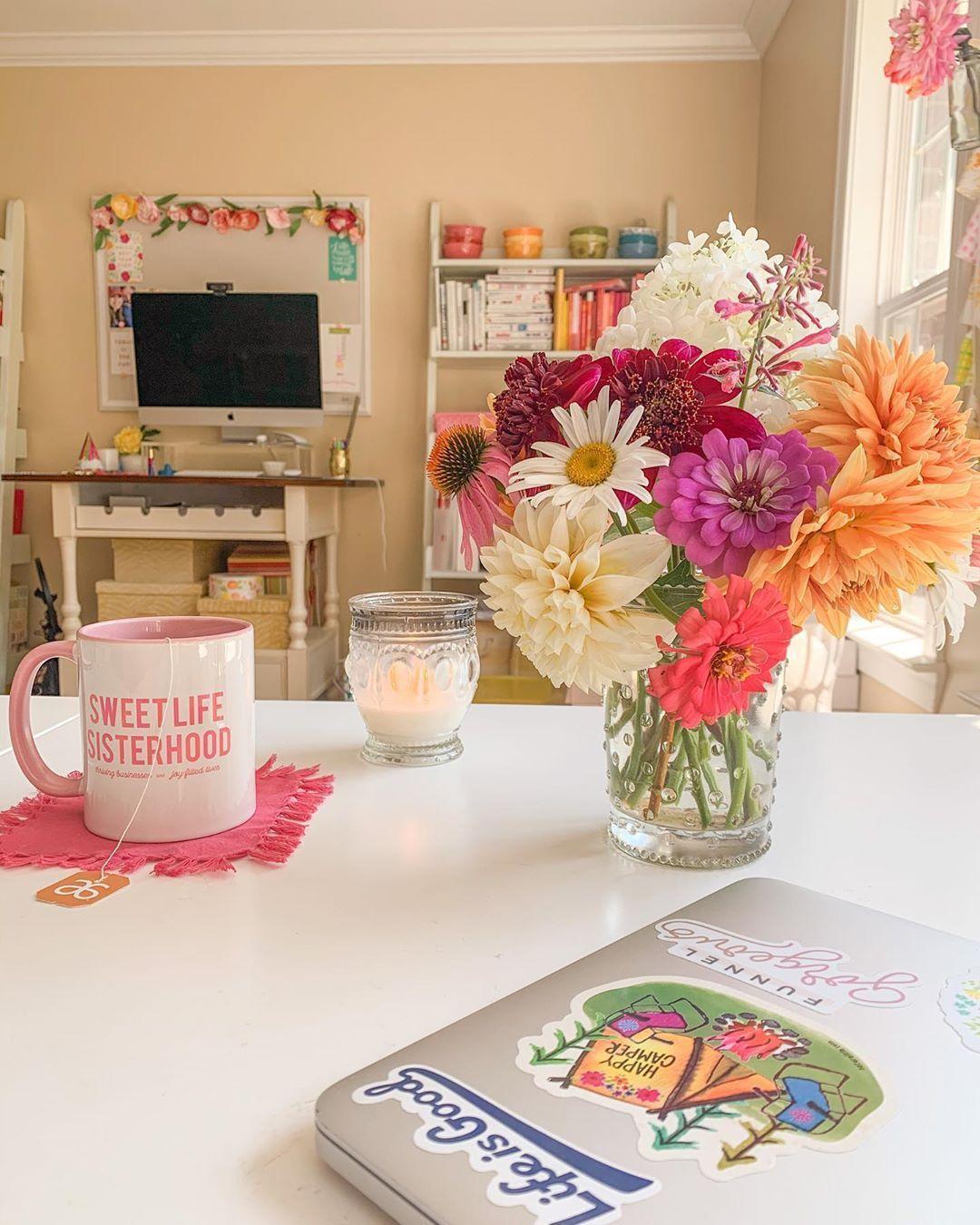 Happy Saturday In 2020 Yummi Candles Desk Essentials Sweet Life