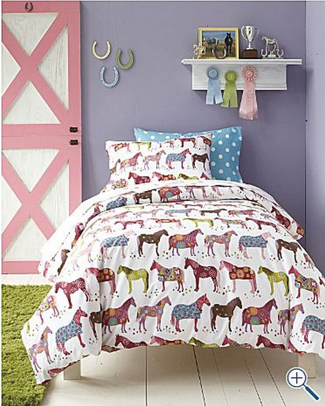 decorating girl's bedroom usually uses a cute theme and a
