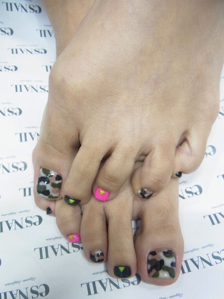 Camouflage pedicure with red or black but not pink | Nail Polish ...