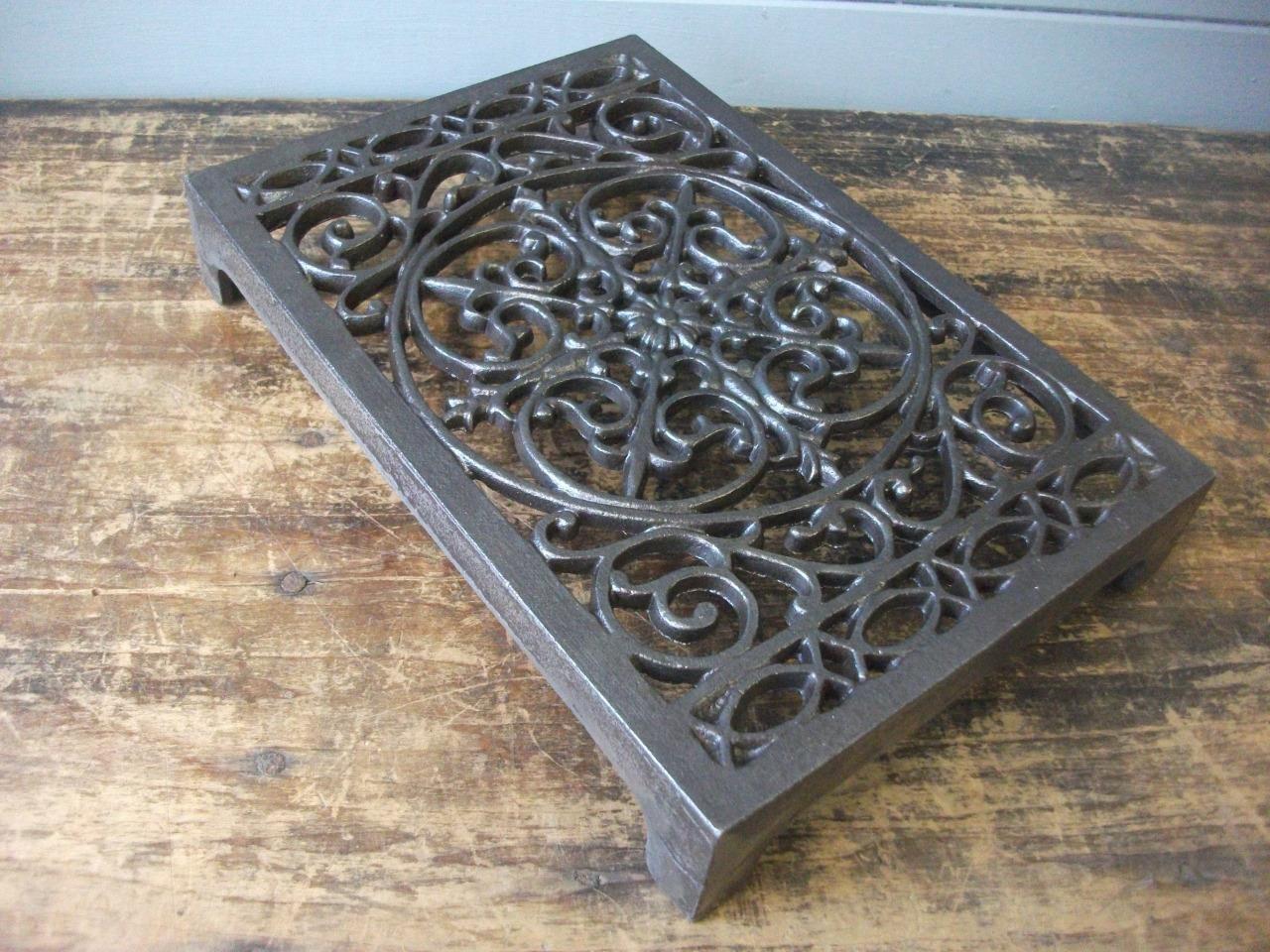 2 x 8x7 CAST IRON VICTORIAN SHELF CISTERN BRACKETS GOTHIC HEAVY WHITE BR09wx2 Antiques Architectural & Garden