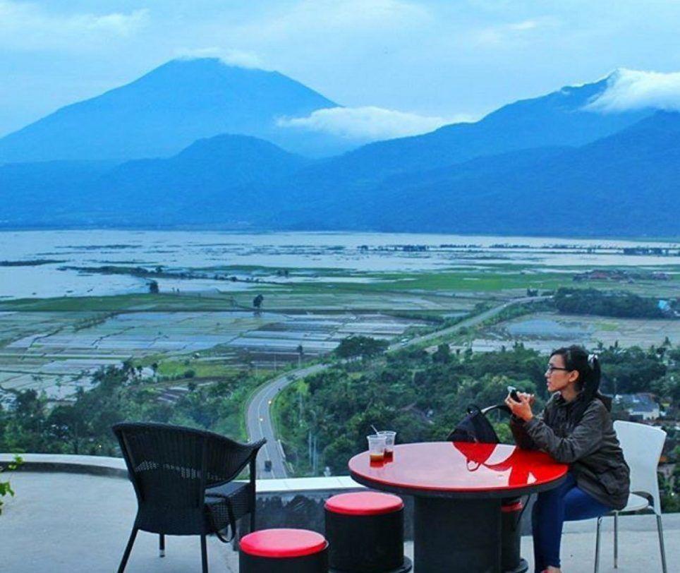 Tempat Wisata Menarik Kab Semarang Kezia Amanda Medium Eling Bening Menawarkan Pemandangan Alam Yang Sangat Indah Dengan View Pemandangan Semarang Foto Wisata