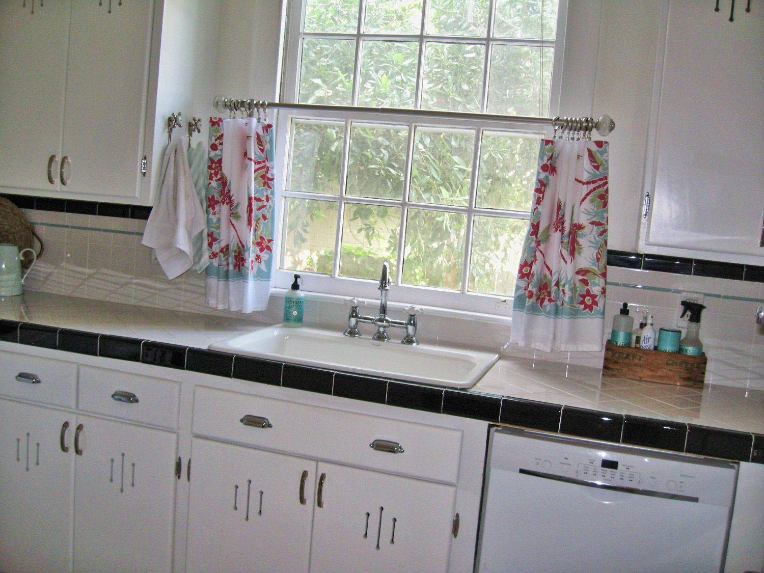 new kitchen curtains made from a tablecloth kitchen curtains