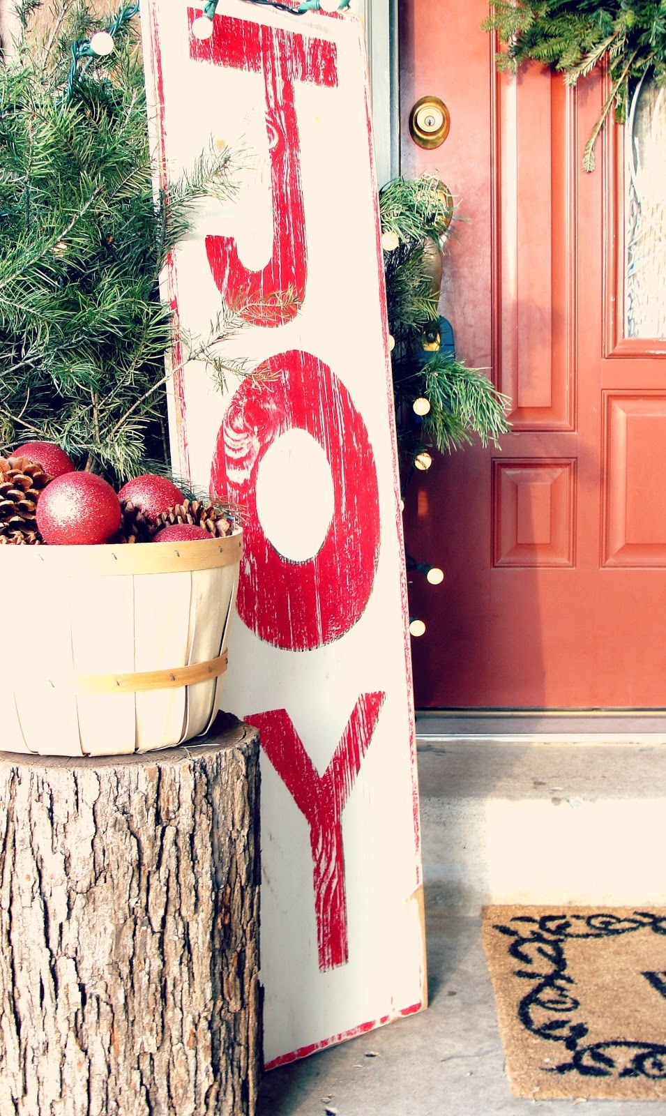 Outdoor Christmas Sign Ideas | Front porches, Outdoor christmas ...